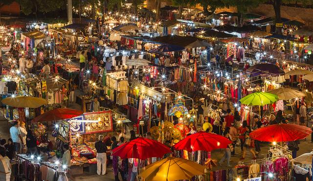 Bazaar Chiang Mai-Ve-may-bay-di-chiang-mai-gia-re-china-eastern-airlines