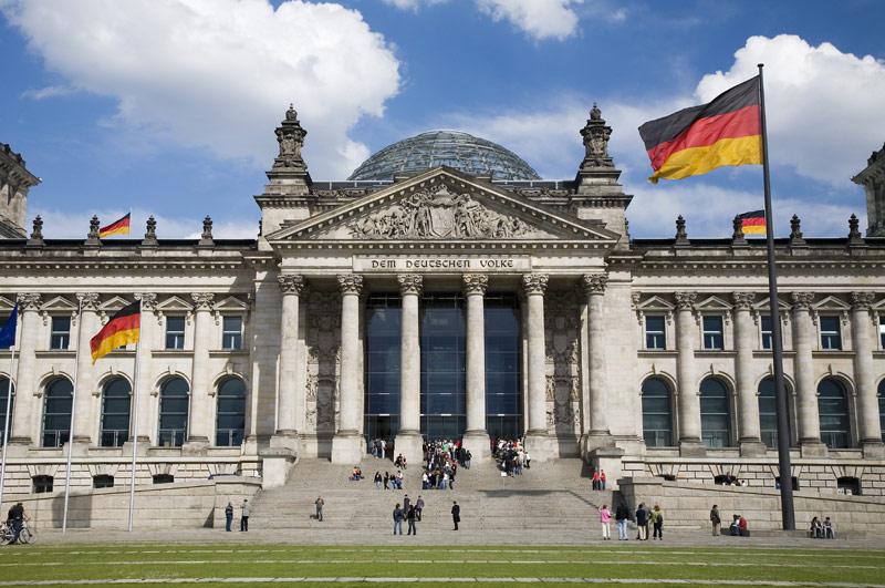 Tòa nhà Reichstag đồ sộ với kiến trúc độc đáo