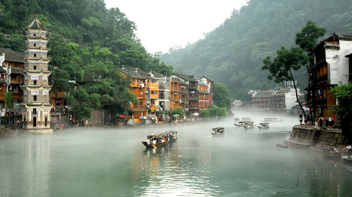song-da-giang-ve-may-bay-di-phuong-hoang-co-tran-china-eastern