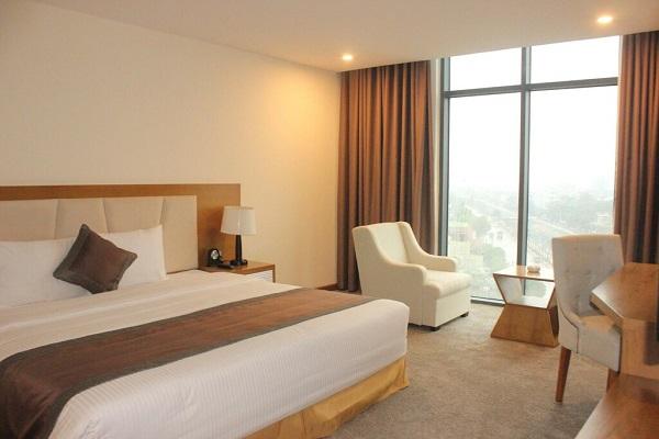 Phòng executive suite Khách sạn Mường Thanh Cửa Đông