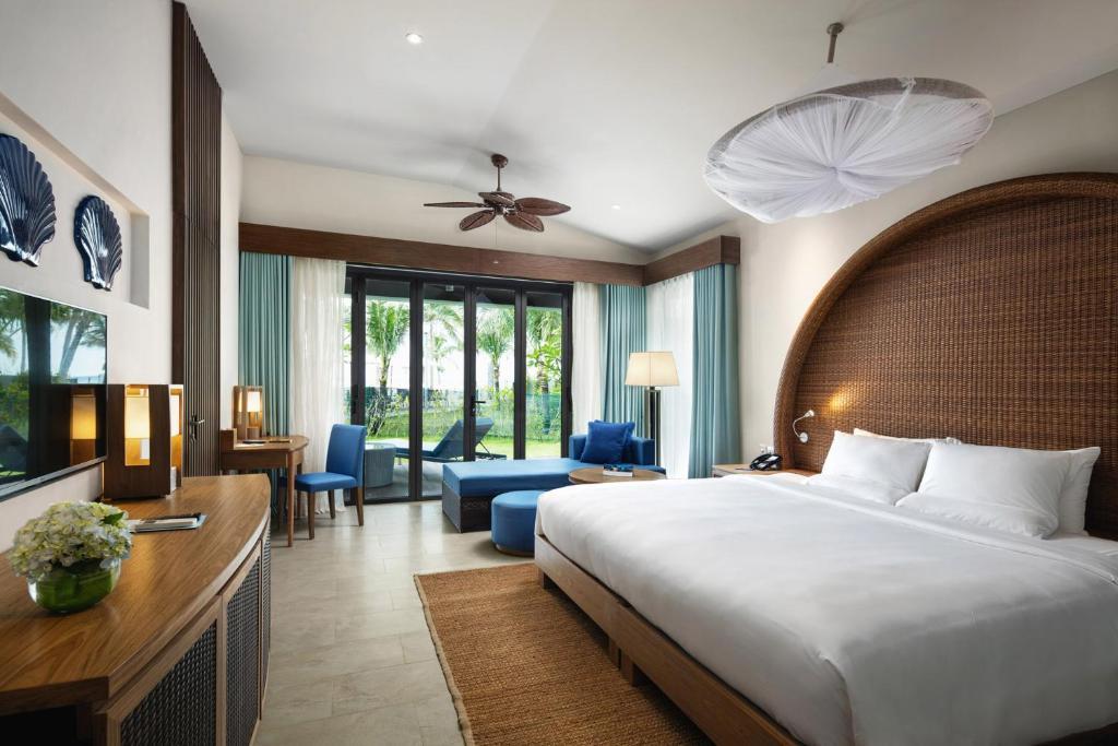 Phòng deluxe bungalow Resort Novotel Phú Quốc
